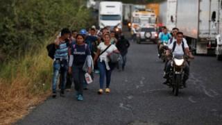 Parte do grupo de salvadorenhos, já na Guatemala