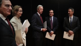 Graça Mira Gomes com o ministro João Gomes Cravinho no seminário de cibersegurança