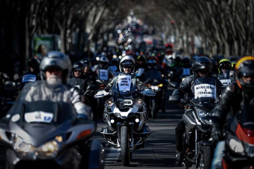 269c739e4 Milhares de motociclistas em protesto contra preço das portagens |  Motociclismo | PÚBLICO