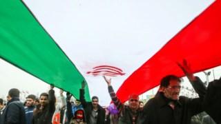 Iranianos comemoram 40 anos da Revolução Islâmica