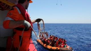 Embarcações encontram-se, muitas vezes, sobrelotadas