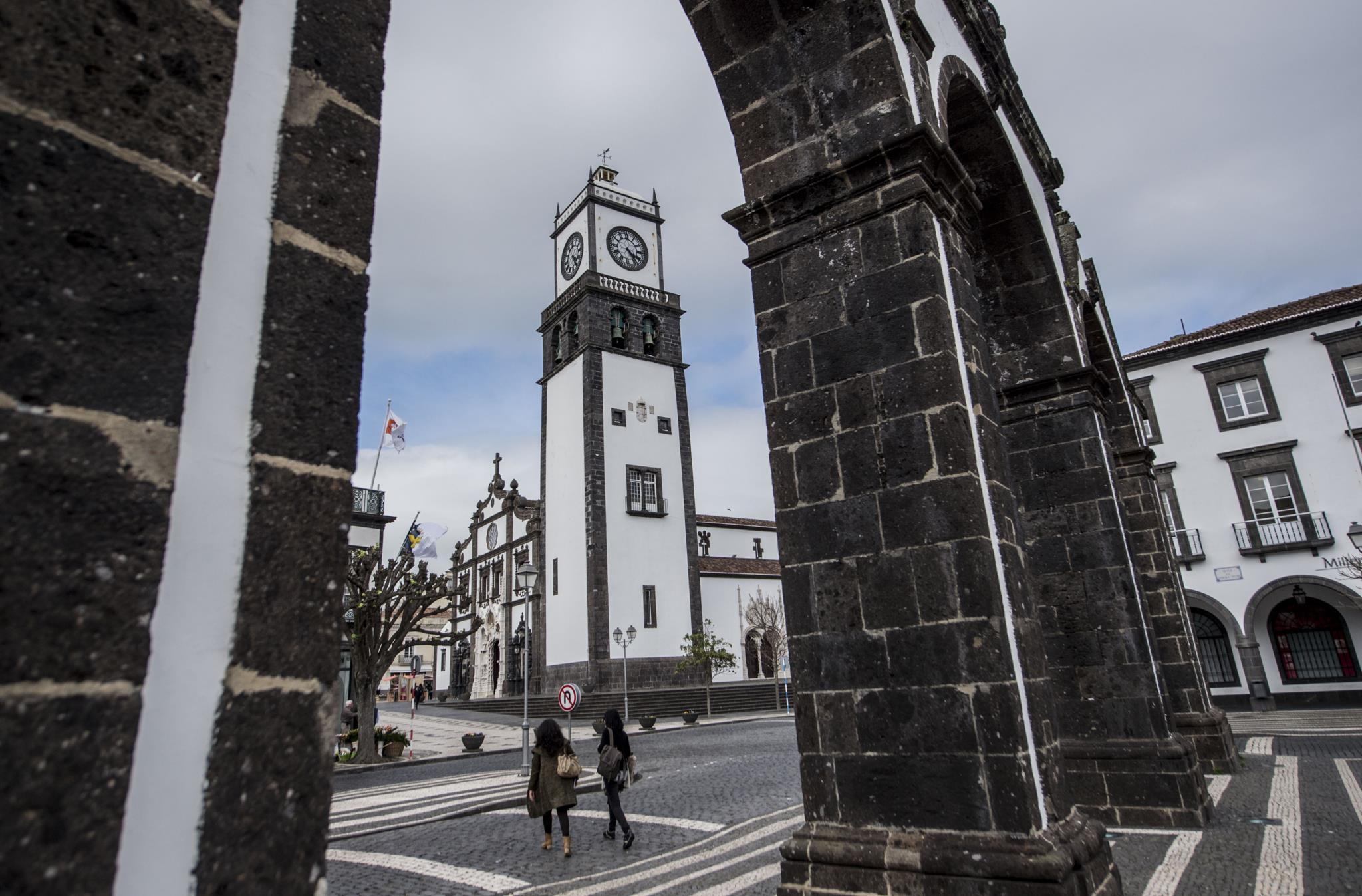 2289dd734 Presidente do Turismo dos Açores arguido por suspeita de desvio de verbas
