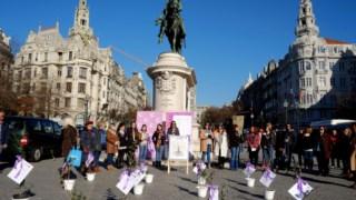 Homenagem, no Porto, em Novembro de 2017, mulheres assassinadas em Portugal pelo crime de violência doméstica