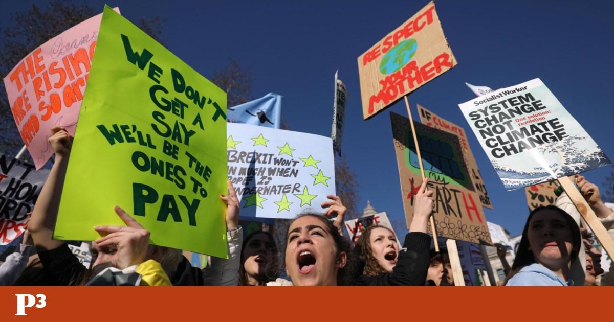 """Estudantes fazem greve pelo clima, mas nas escolas o """"dia é normal"""""""