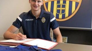 O jogador assinou contrato nesta quarta-feira.