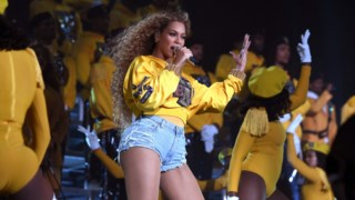 A actuação de Beyoncé no festival já é considerada um momento histórico da música popular do nosso século