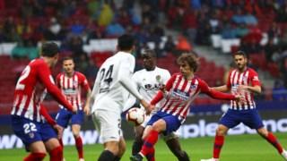 O Atlético de Madrid derrotou o Valência e Griezmann (ao centro) marcou um dos golos do triunfo