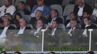 O presidente do Sp. Braga, António Salvador, ao lado do líder do Benfica, Luís Filipe Vieira