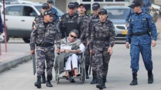 Jesús Santrich, na cadeira de rodas, já depois de ser recapturado