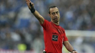 Carlos Xistra será o quarto árbitro