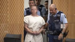 Brenton Tarrant assistiu à audiência em videoconferência a partir da prisão de alta segurança de Auckland, na Nova Zelândia