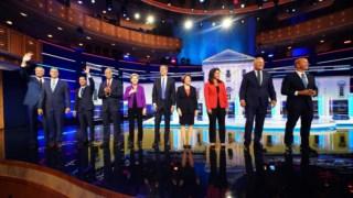 O primeiro grupo de dez candidatos às primárias democratas debateu na quarta-feira à noite