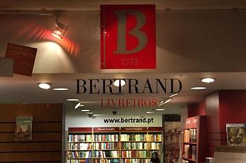 f93a4306a6a Porto Editora vai comprar Círculo de Leitores e negócios da Bertrand ...