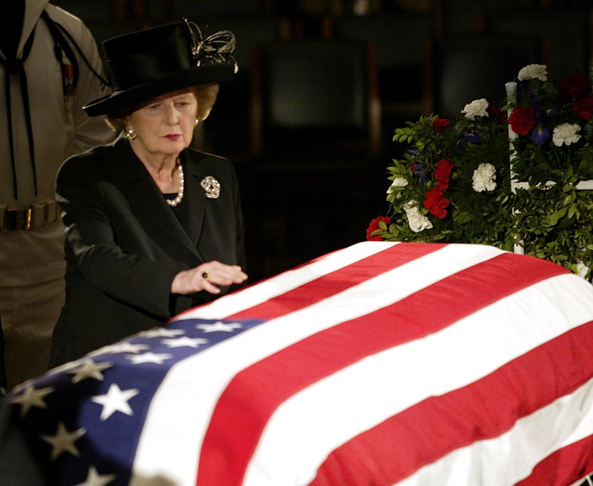 No funeral de Reagan em 2004