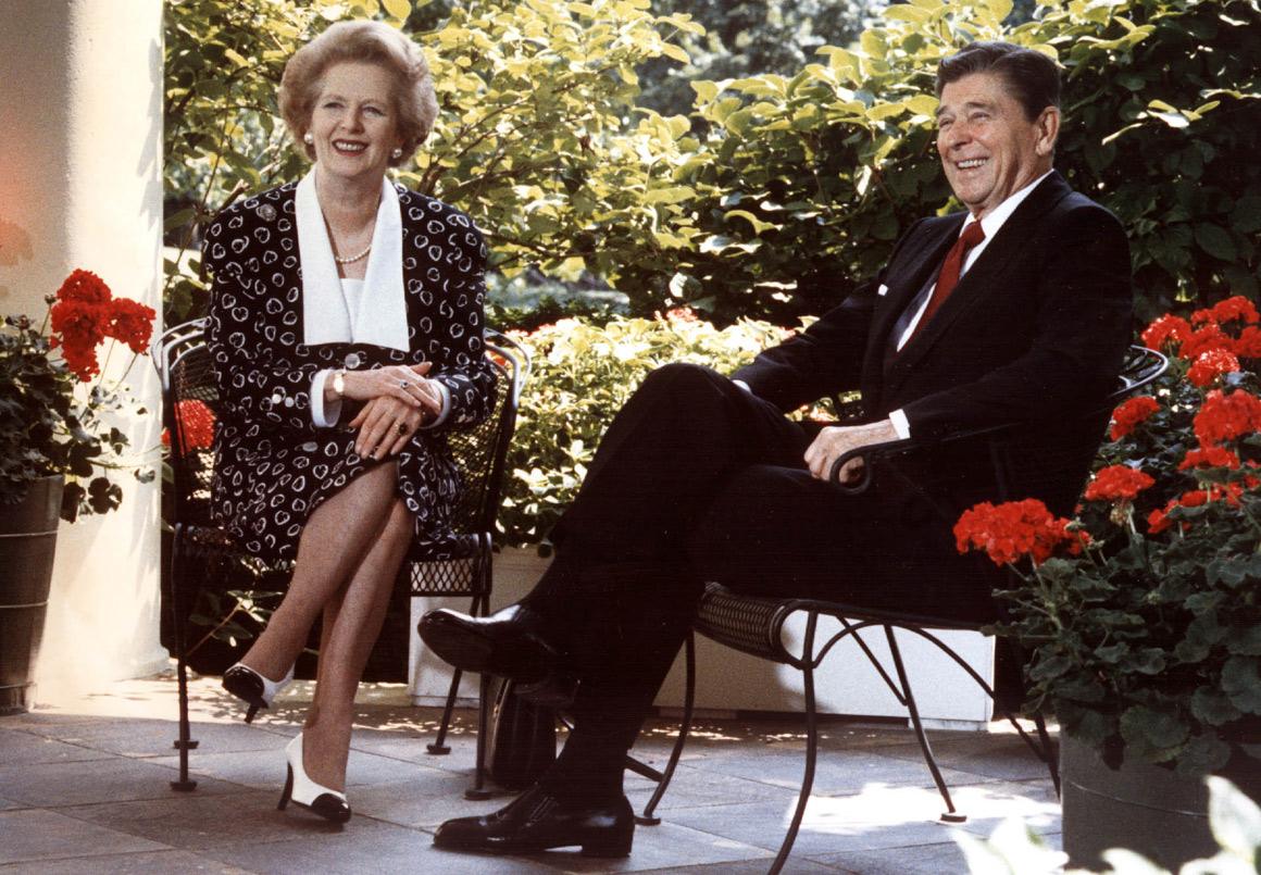 """Thatcher admirava Reagan - aqui numa foto de 1987. Dele, dizia: """"É o segundo homem mais importante da minha vida"""""""
