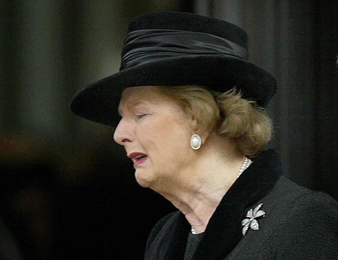 Numa cerimónia em homenagem ao seu marido, Denis Thatcher, que morreu em 2003