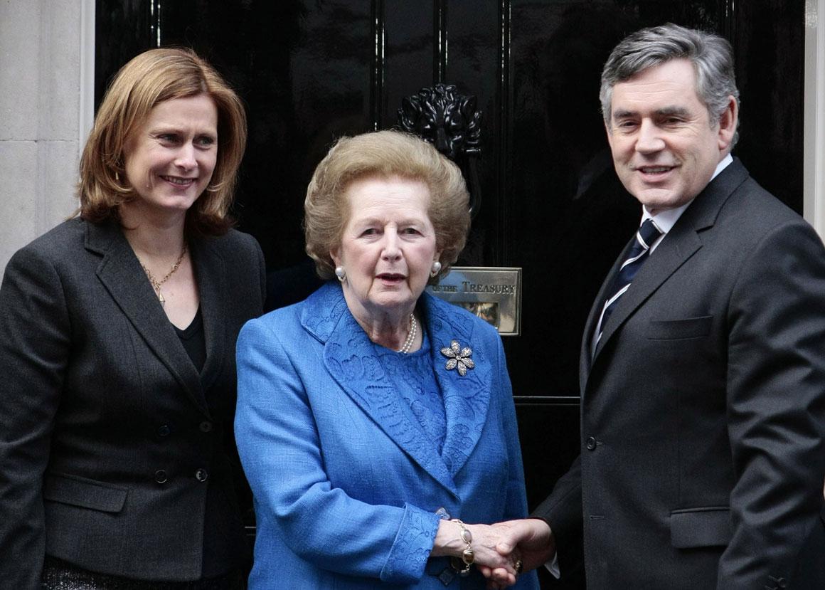 Com Gordon Brown, em Downing Street, em 2009