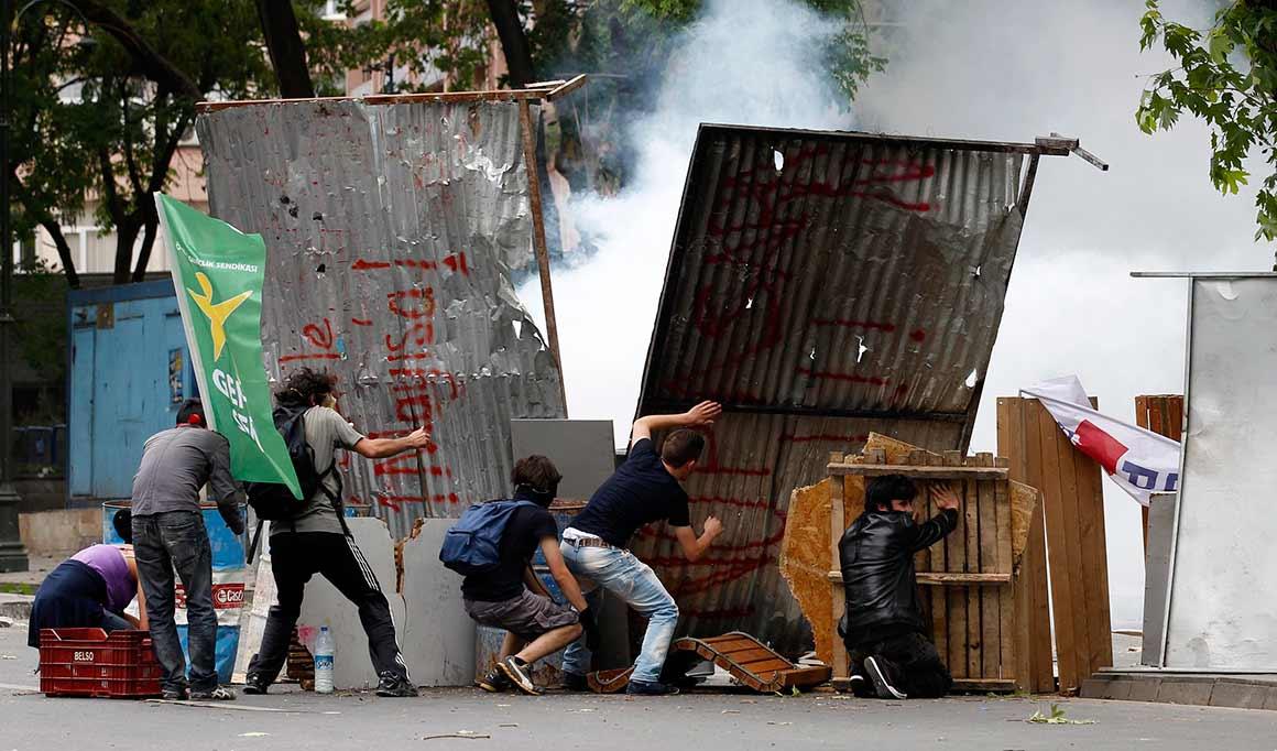 Fontes oficiais citadas pela BBC indicam que nas manifestações dos últimos dias em 67 cidades foram detidas 1700 pessoas, que na sua maior parte já foram libertadas