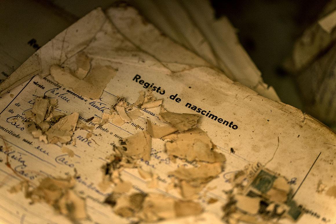 Registos de nascimento no Arquivo de Identificação Civil de Bissau. Só 150 mil pessoas têm bilhete de identidade, no país de 1,6 milhões de habitantes