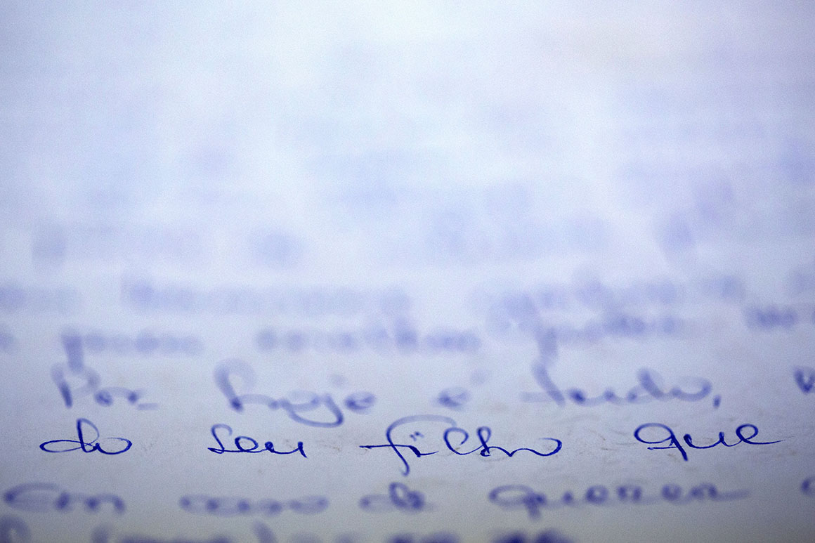Alguns filhos descobriram as moradas dos pais em Portugal e escreveram-lhes cartas. Nunca tiveram resposta