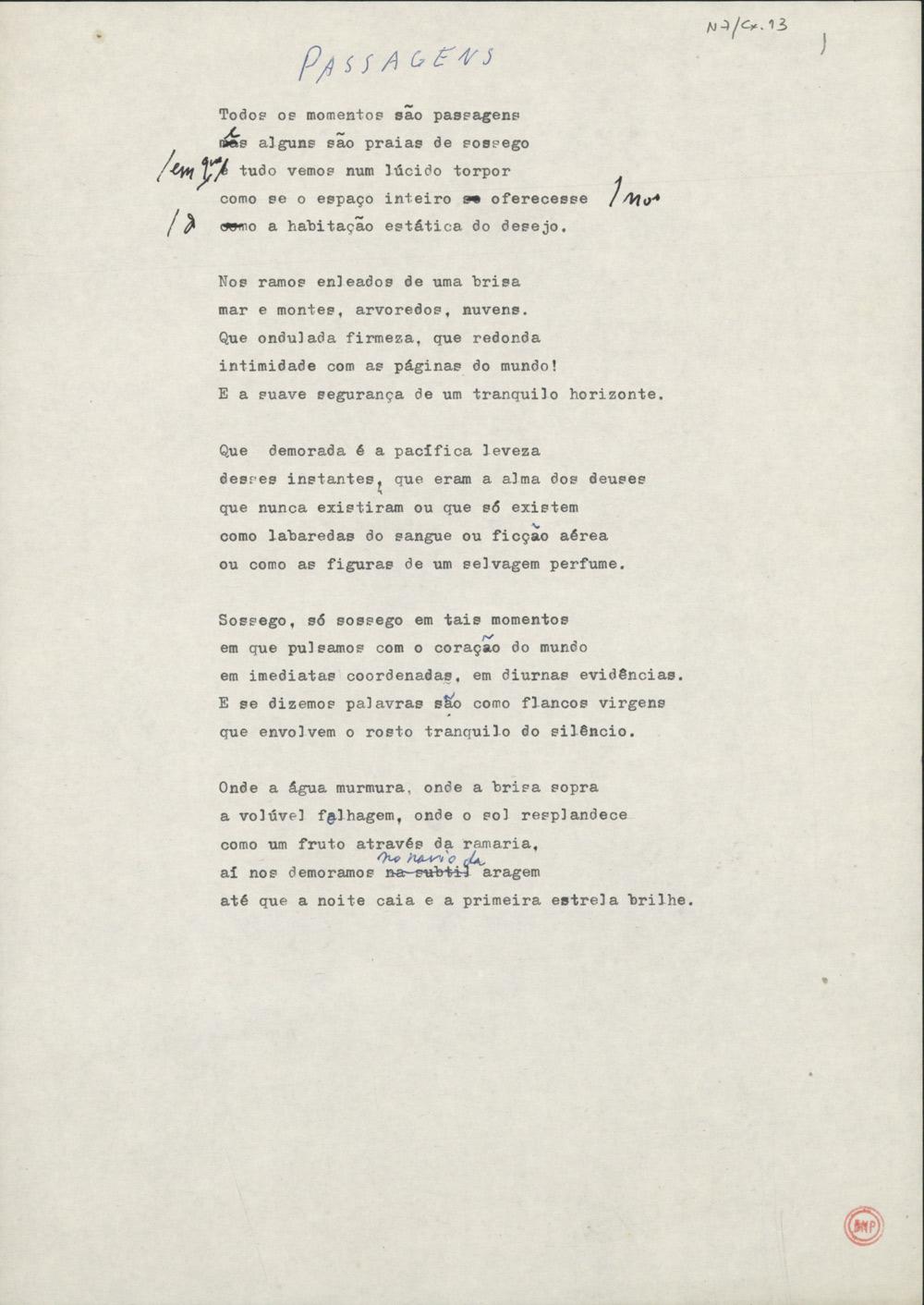 Dactiloscrito do poema que abre o livro Passagens, publicado na colecção Pequeno Formato, da Asa, em 2005.