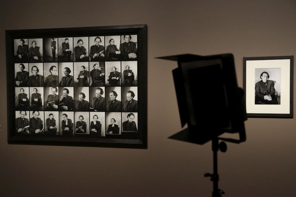 Antonin Artaud escreveu sobre o pintor e essas palavras estão em confronto com as pinturas