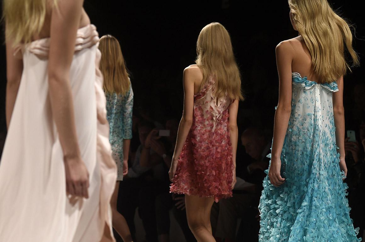 Modelos apresentam criações da coleção Blumarine,Milan