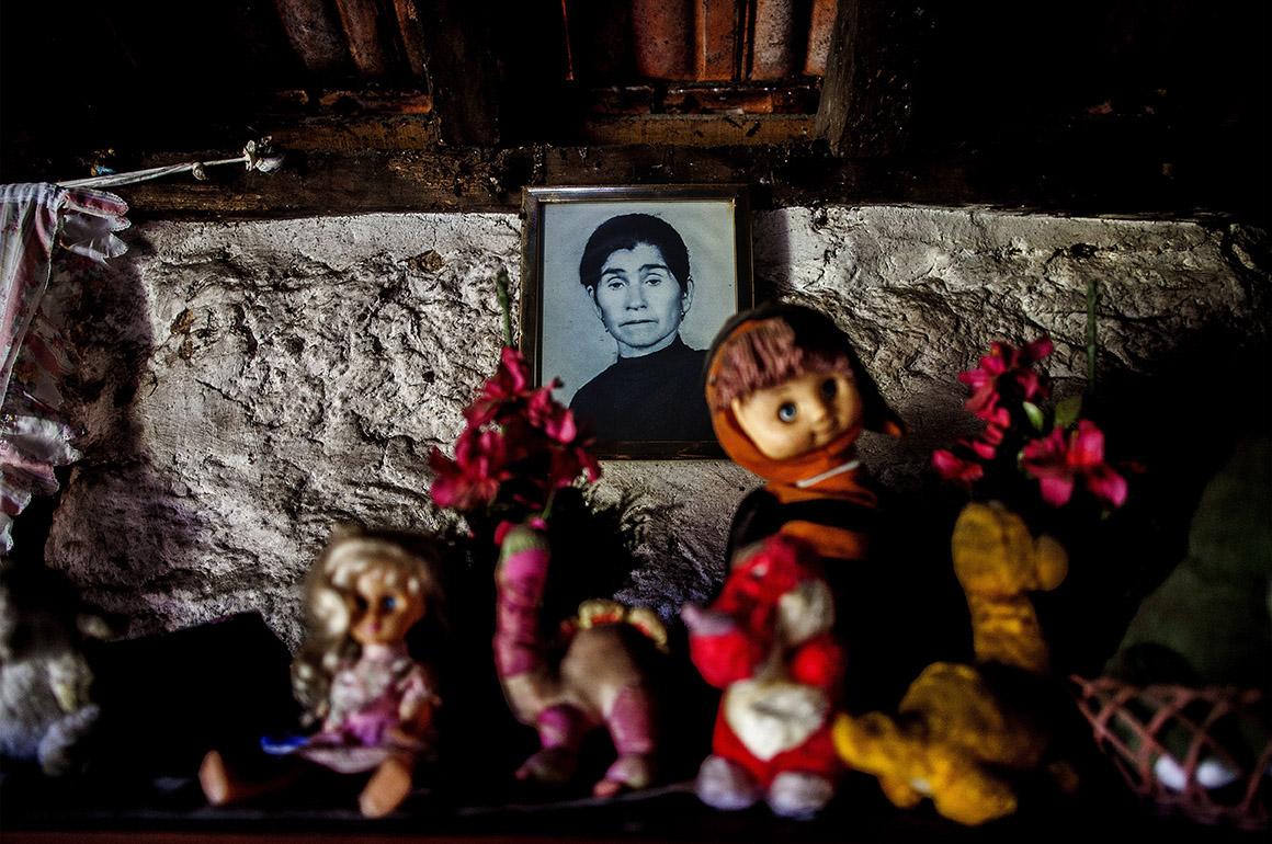 A foto da mãe de Olga, que mãe morreu nova, já lá vão 20 anos
