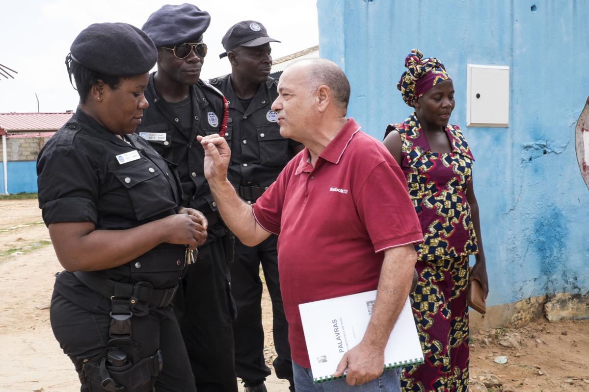 Em Luena, António Bento foi pedir informações ao quartel da Polícia de Intervenção Rápida onde o filho está colocado