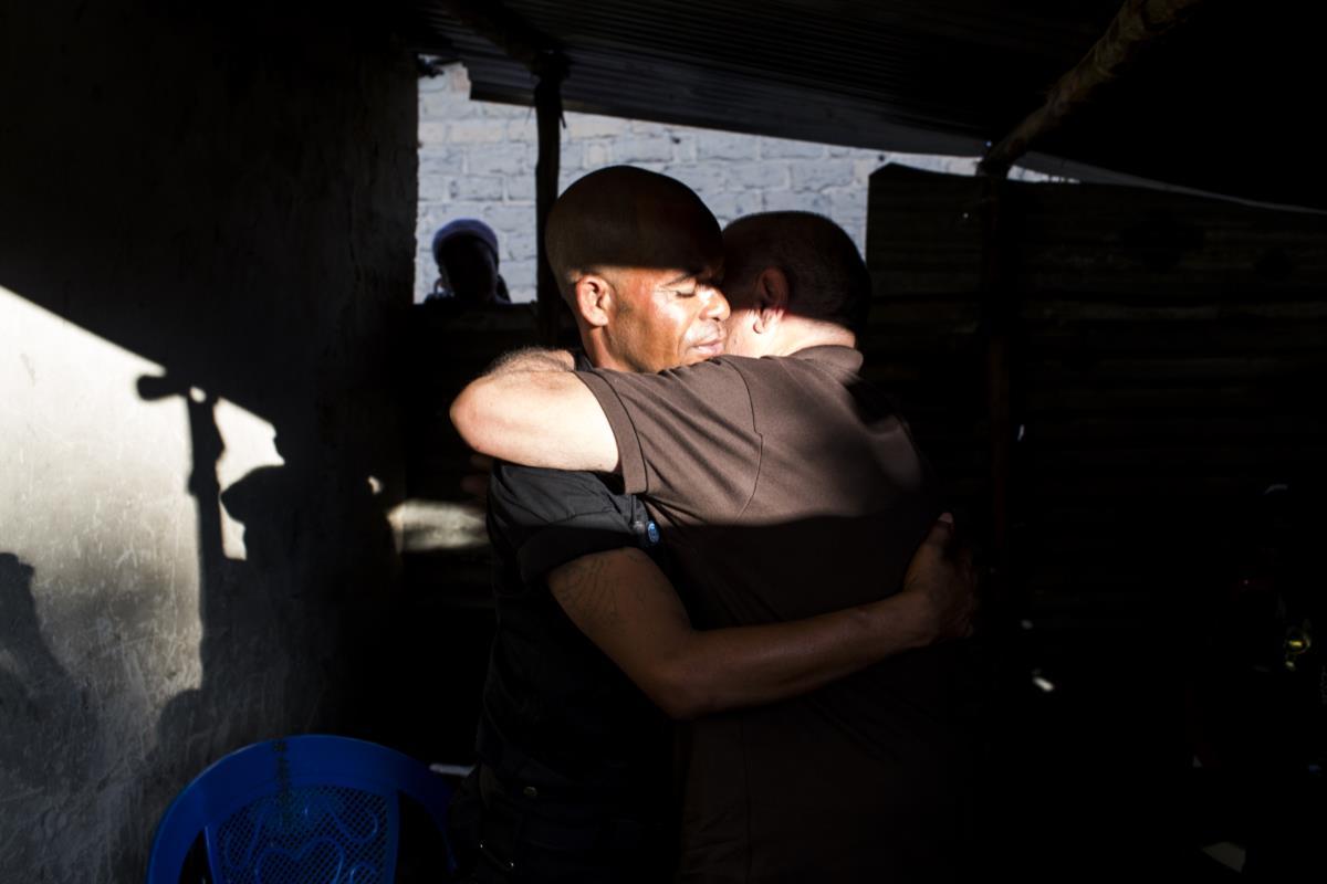 O primeiro abraço