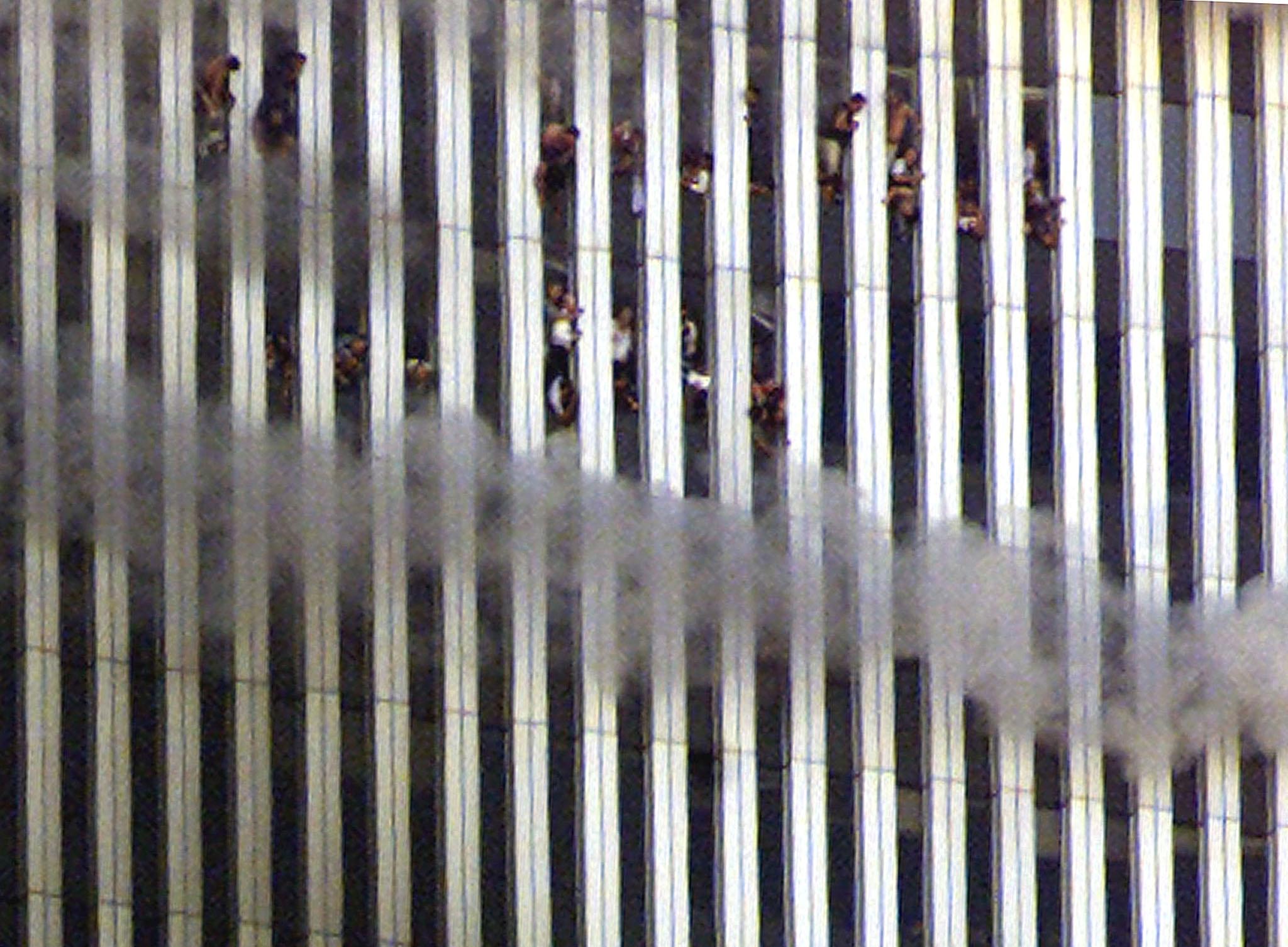 PÚBLICO - Pessoas que tentavam sair da torre Norte, 11 de Setembro de 2001