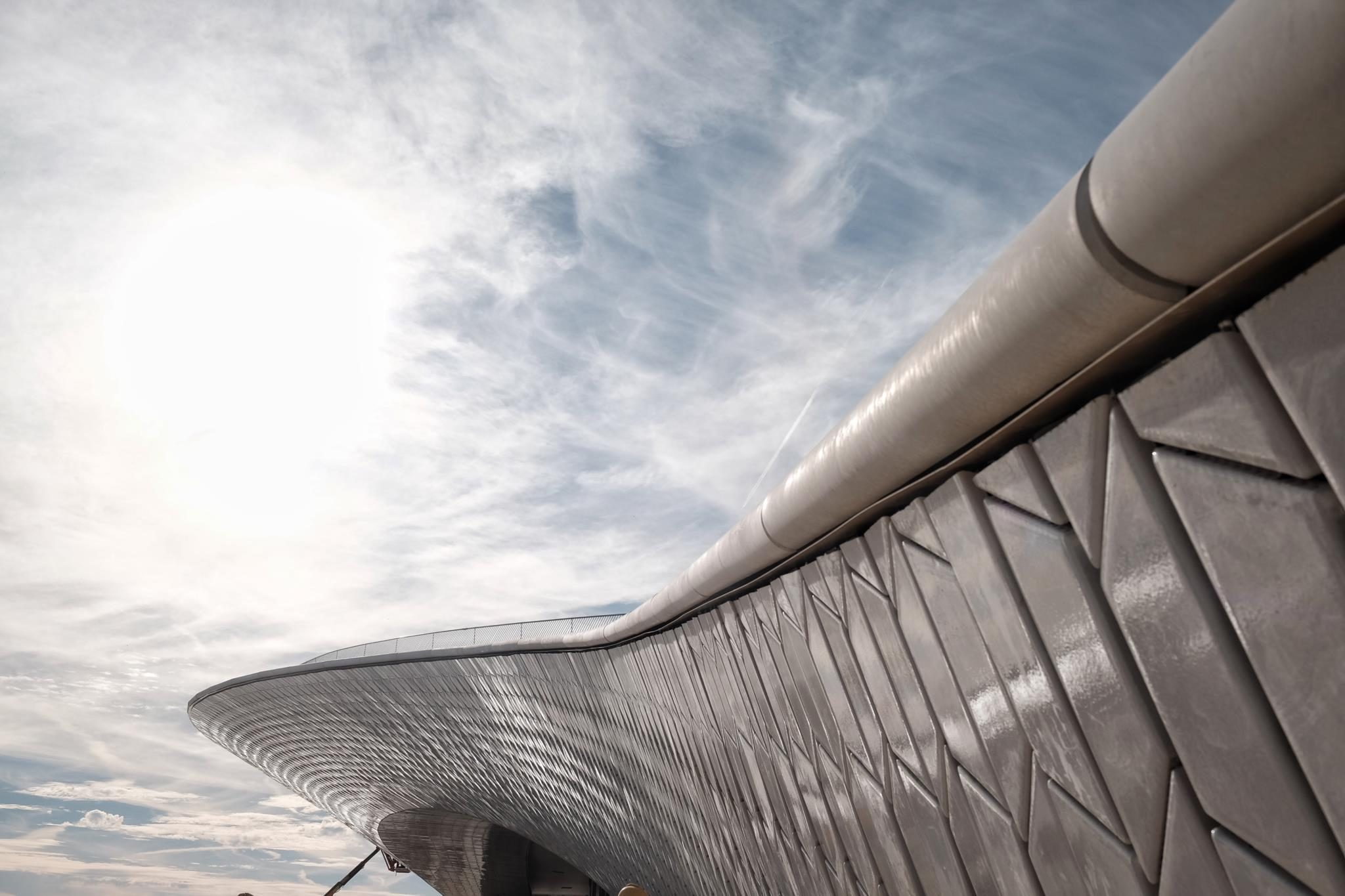 O Museu tem um terraço com vista para o Tejo, um novo espaço público da cidade visitável 24 horas por dia
