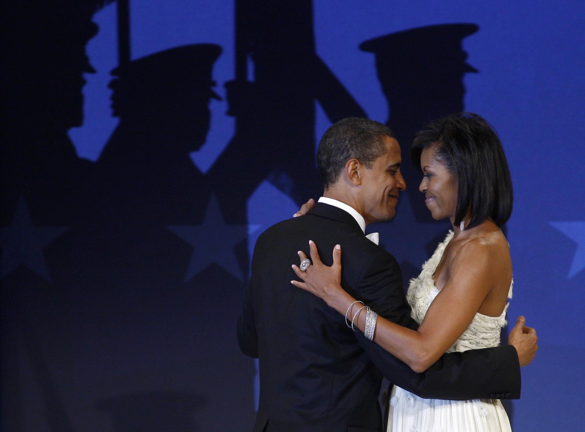 Barack Obama e a primeira-dama Michelle Obama no baile inaugural de 2009