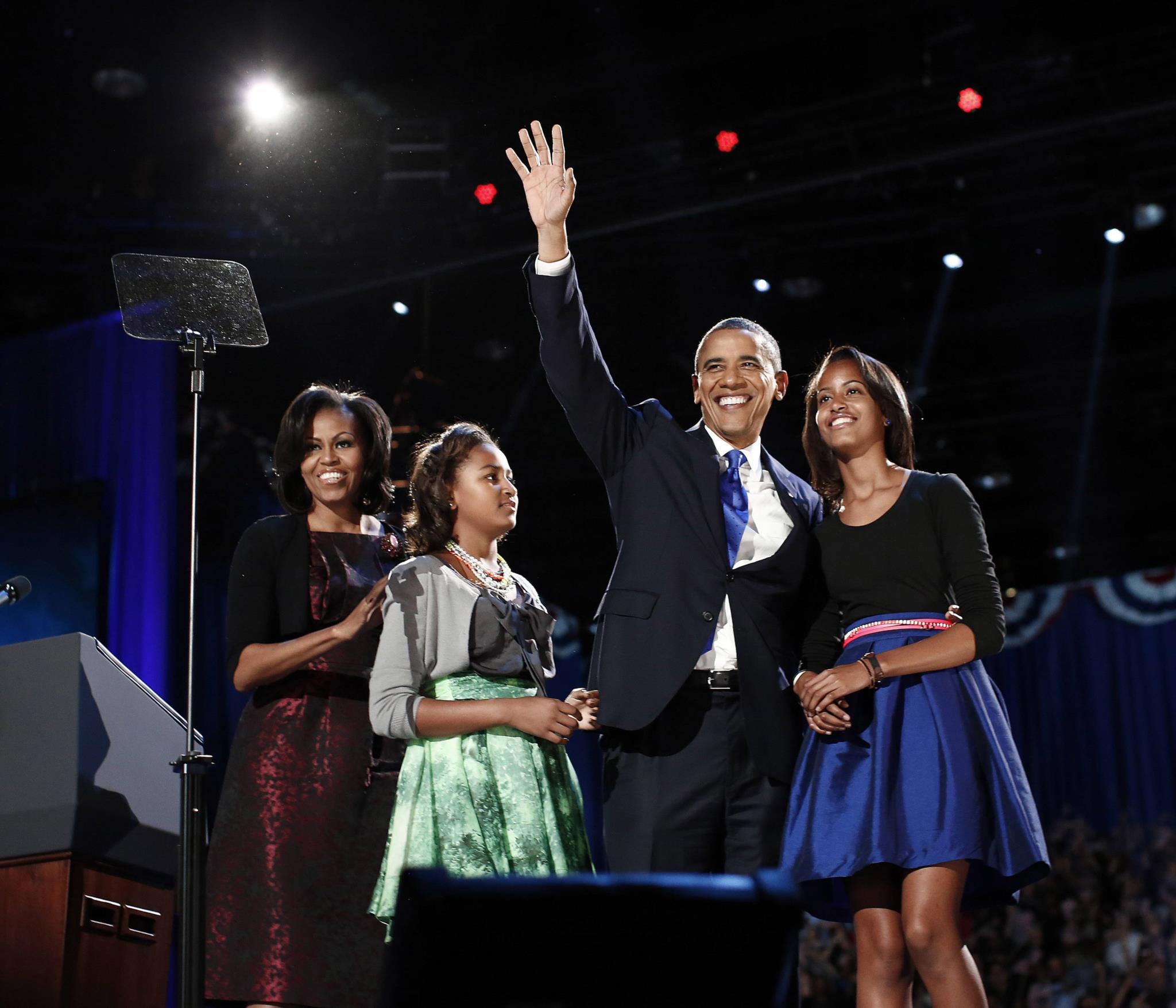 Obama com a sua mulher e filhas na noite da vitória eleitoral do segundo mandato, 2012