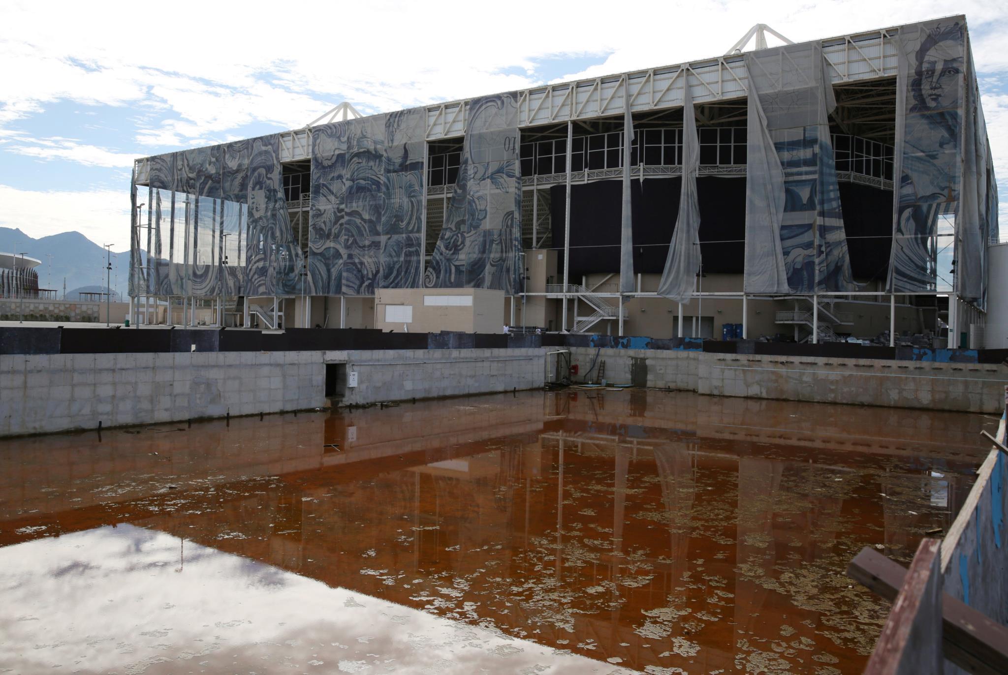 Centro aquático ao abandono