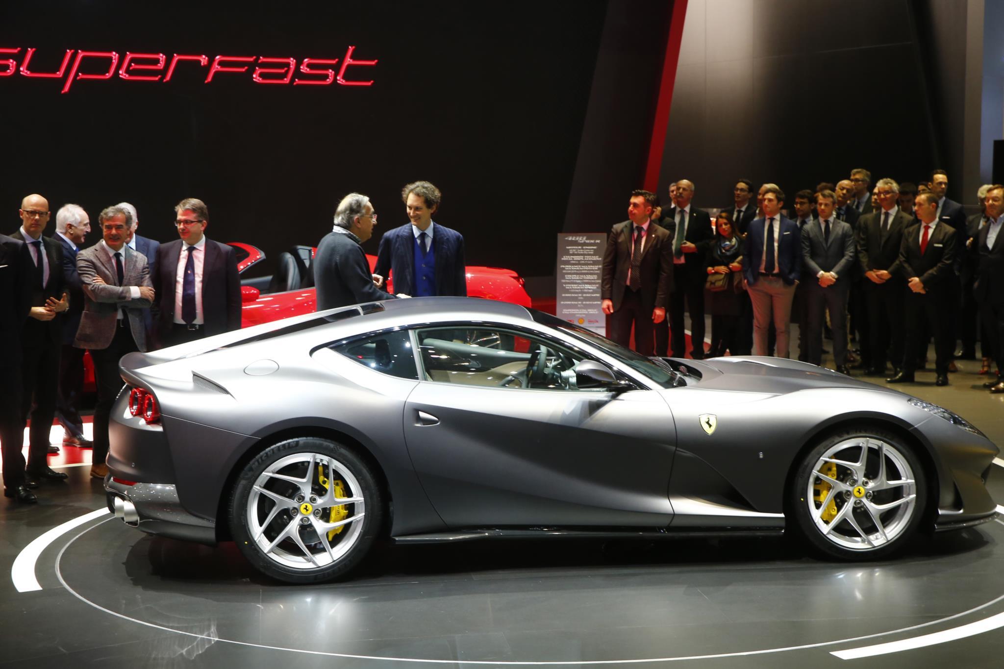 O CEO da Fiat Chrysler, Sergio Marchionne, durante a apresentação do Ferrari 812 Superfast