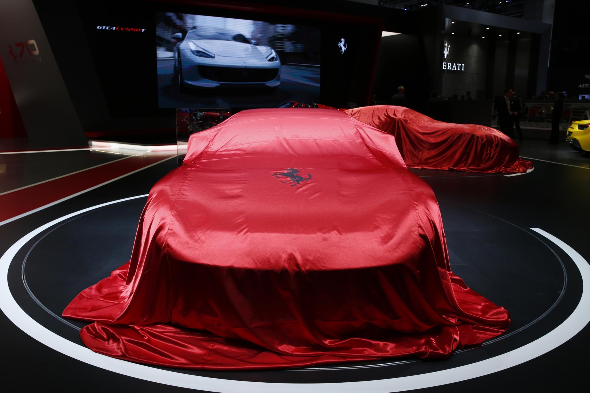 O modelo do Ferrari 812 Superfast ainda por desvendar