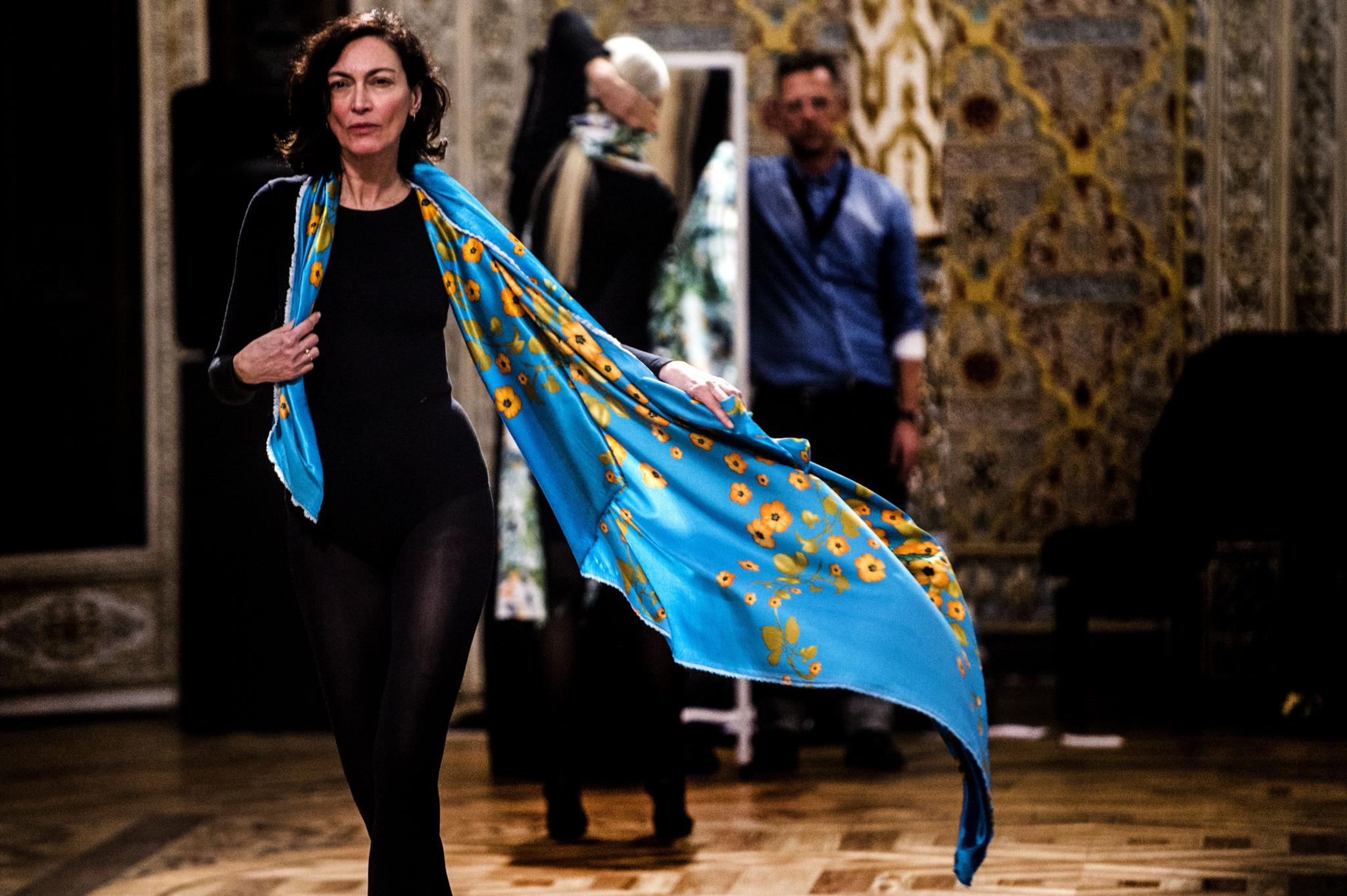 PÚBLICO - A moda vai nua