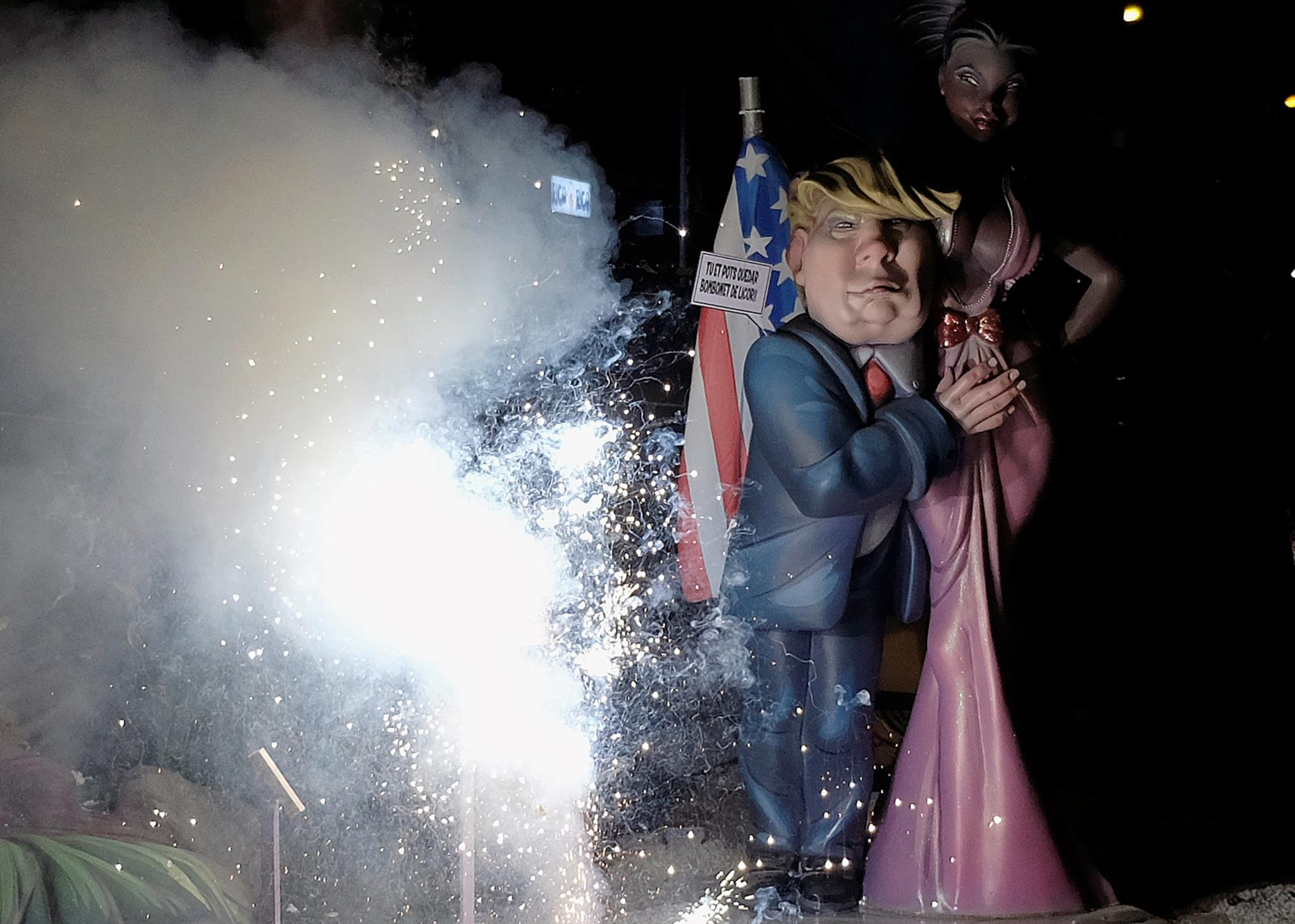 As festividades de Fallas, em Valência, Espanha, dão as boas-vindas à Primavera