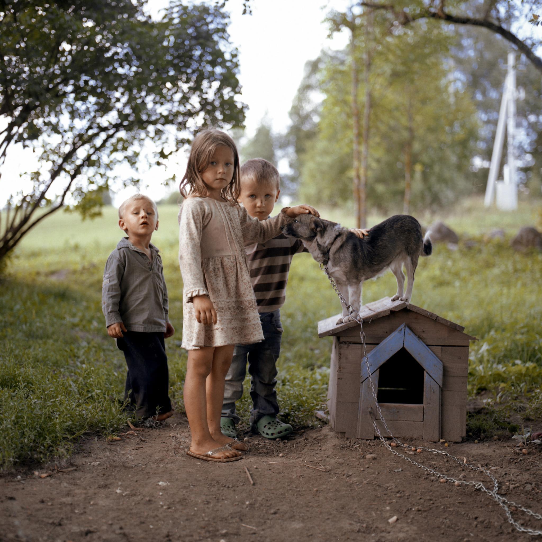 Crianças no interior rural da Lituânia (1.º prémio - Lituânia)
