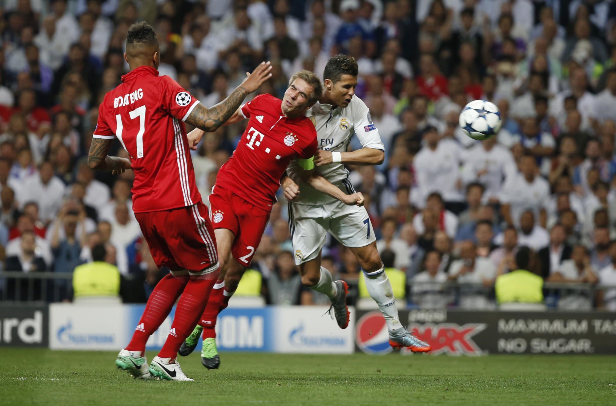 Ronaldo fez assim o primeiro de três golos contra o Bayern em Madrid