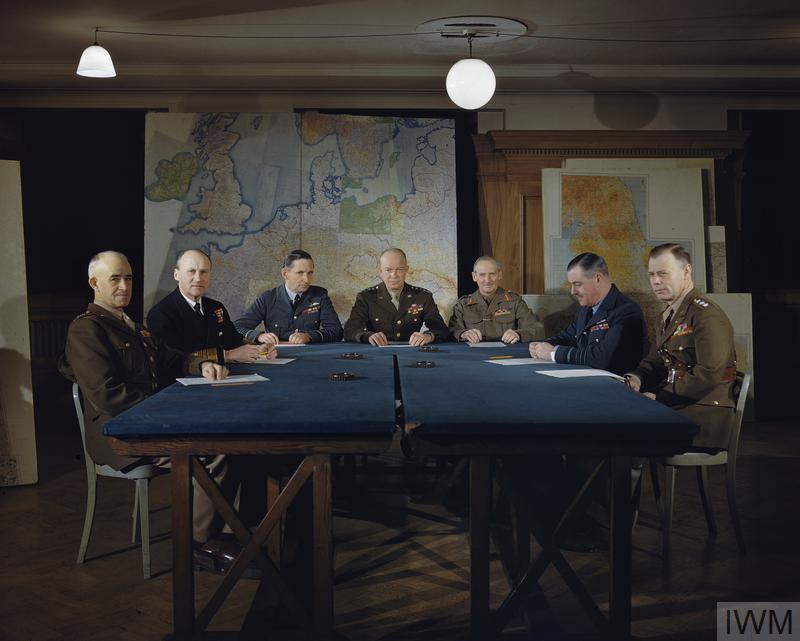 Dwight D Eisenhower no quartel-general dos Aliados em Londres, em Fevereiro de 1944