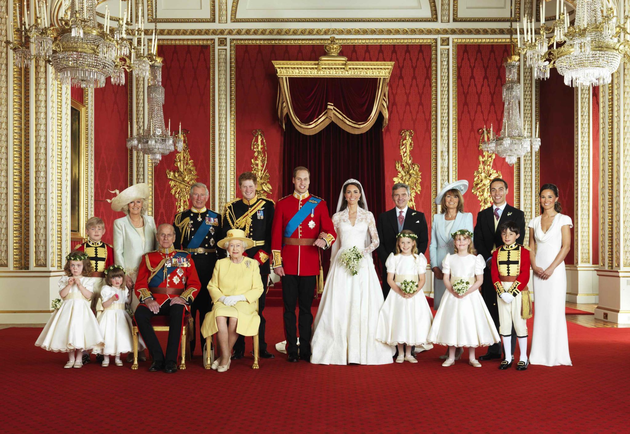Fotografia oficial no dia do casamento do Príncipe William com a Duquesa de Cambridge Catherine em 2011