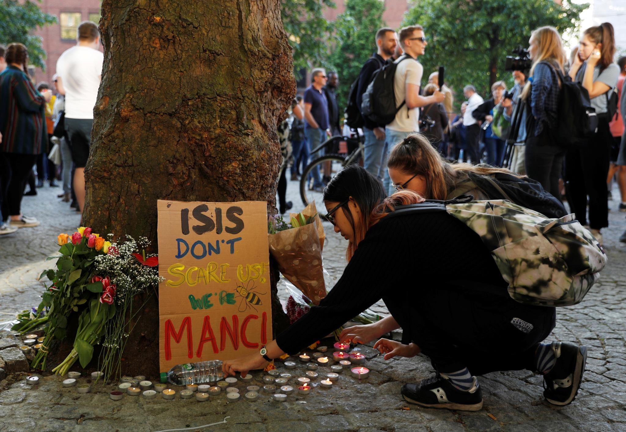 Vigília pelas vítimas do atentado, em Manchester