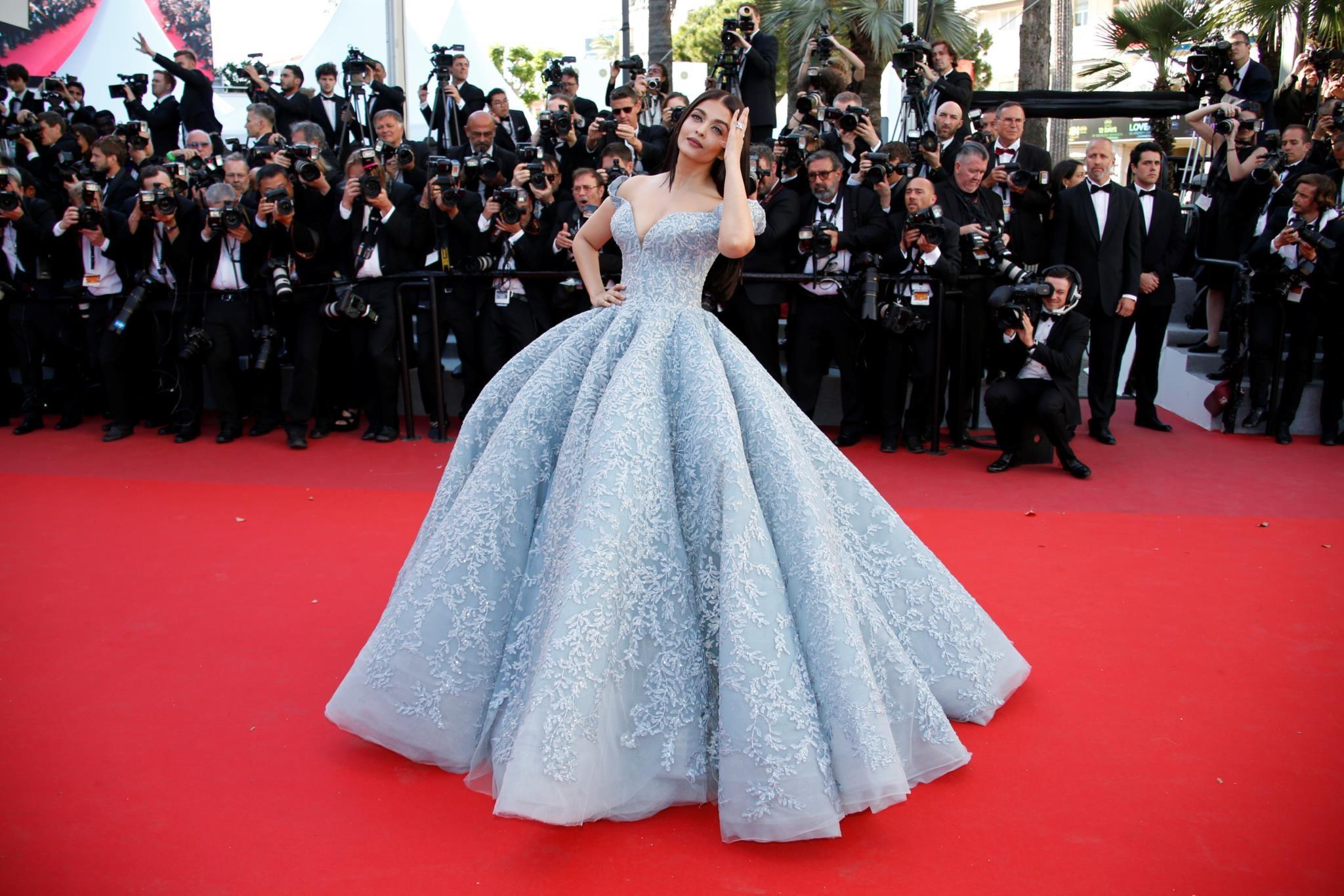 PÚBLICO - Cannes 2017: Os vestidos que ficam para a história