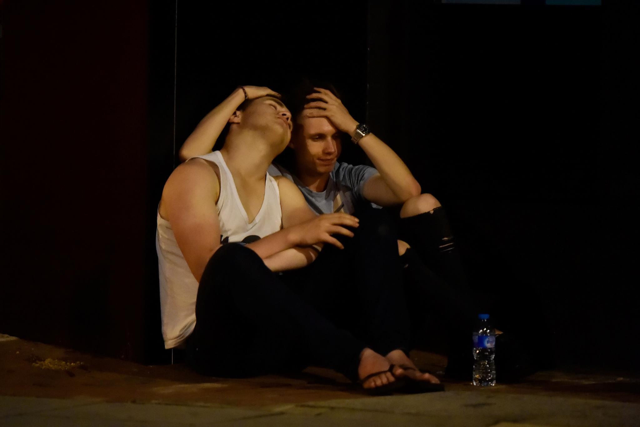 A reacção de pessoas após o atropelamento na Ponte de Londres