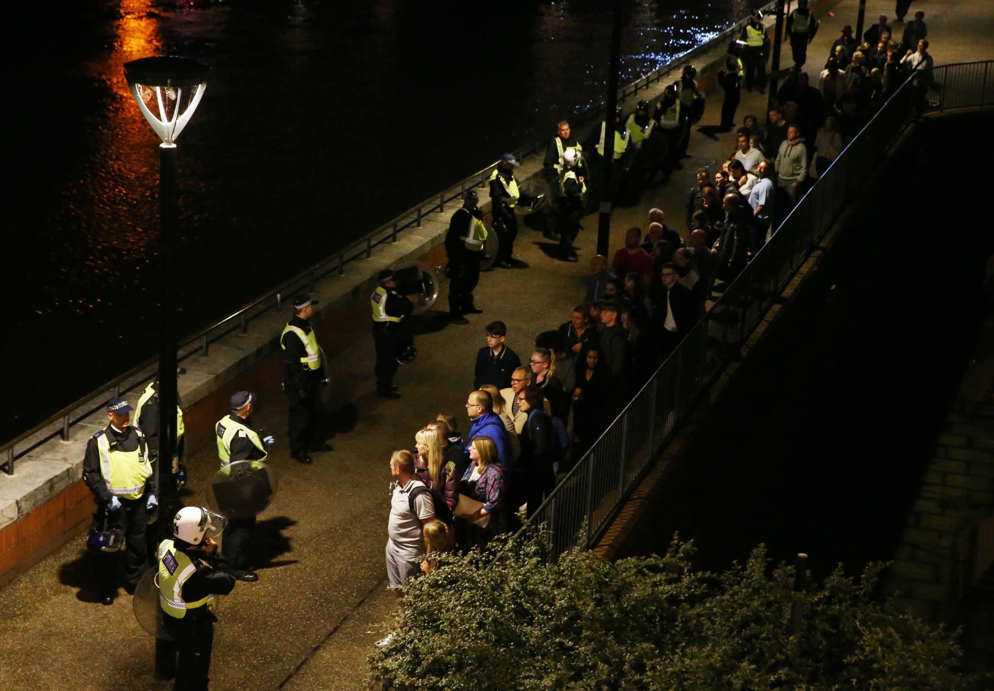 A evacuação da Ponte de Londres