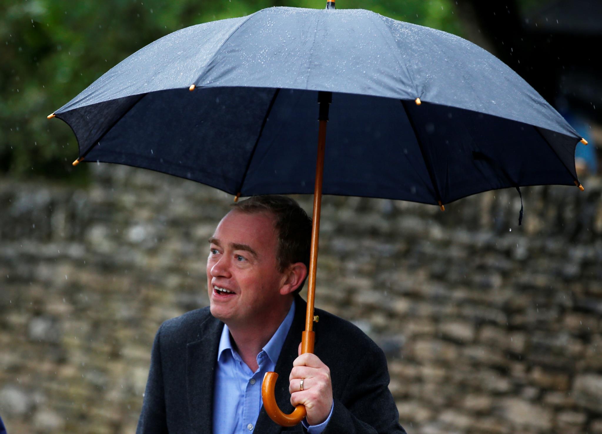 Tim Farron, número um do Partido LIberal Democrata, votou em Kendal