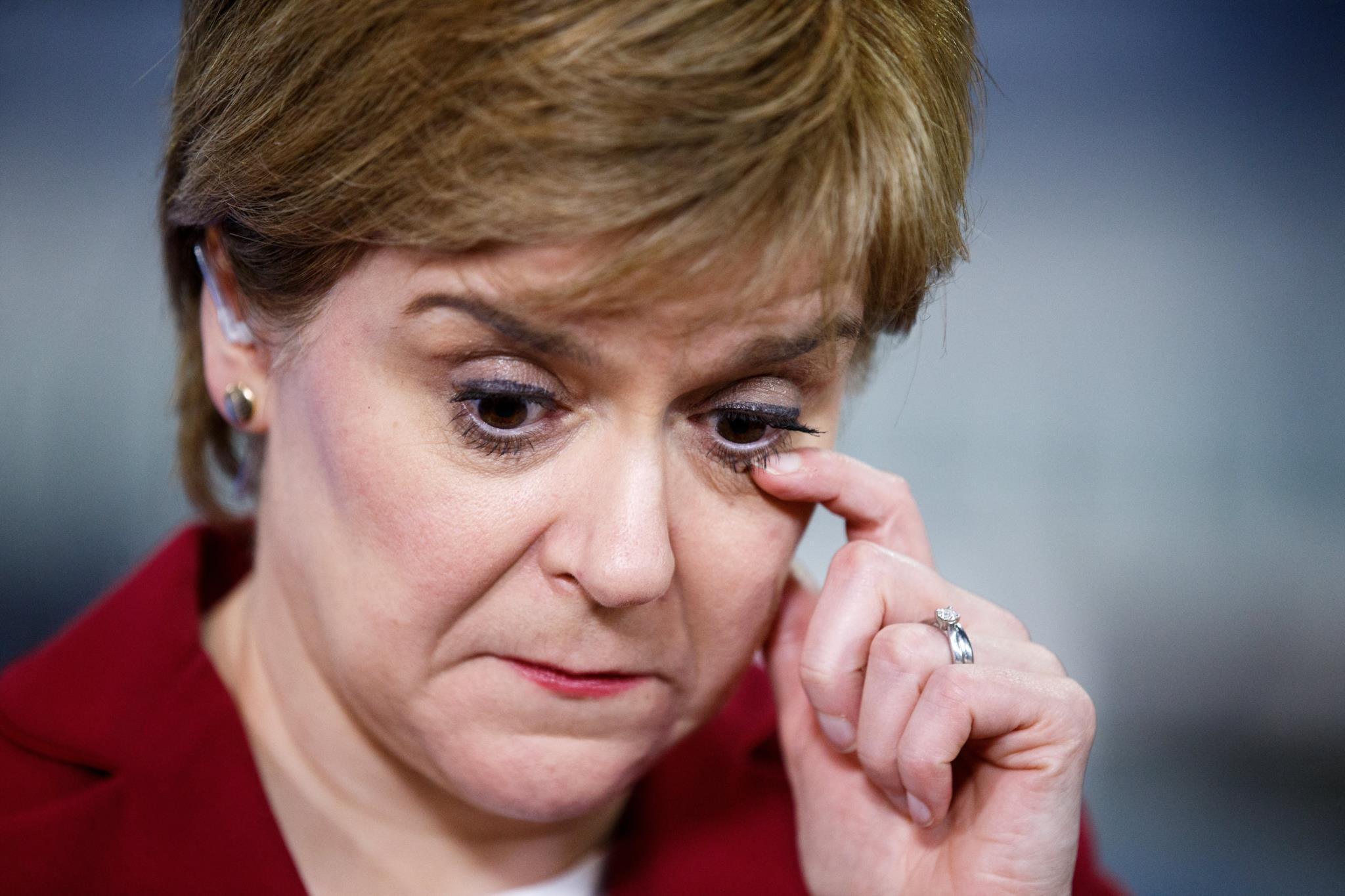 Nicola Sturgeon, líder do Partido Nacional Escocês, não conseguiu repetir o resultado sem precedentes obtido nas últimas eleições britânicas
