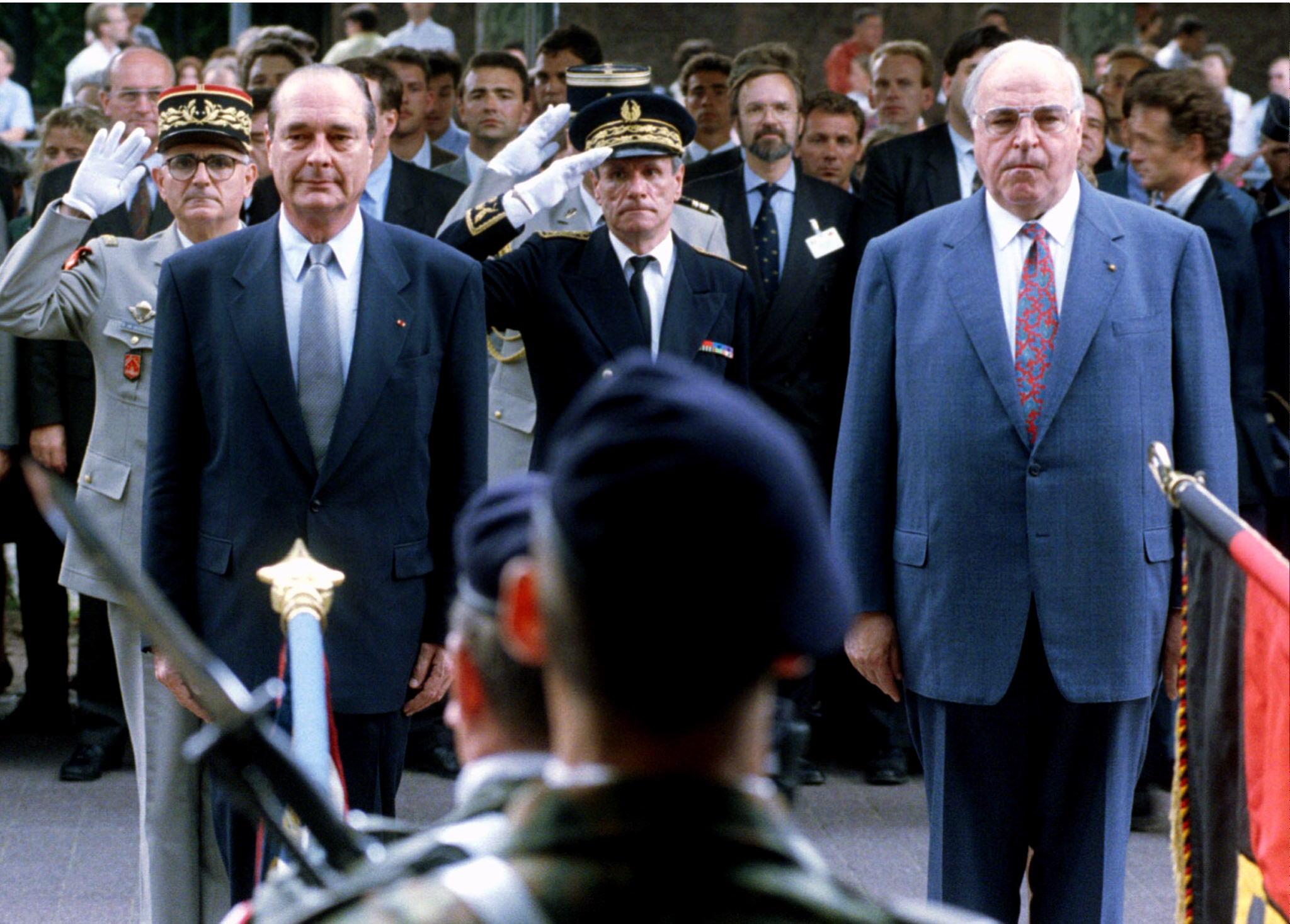 Presidente francês Jacques Chirac e Helmut Kohl durante o início da 65.ª cimeira franco-alemã